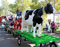 Daily Parade Floats at the Sonoma County Fair